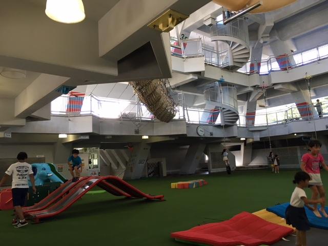 砂川オアシスパークのピラミッドの遊び場