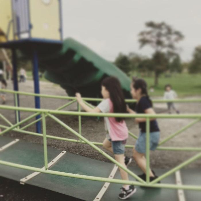 屯田公園で遊ぶ子ども