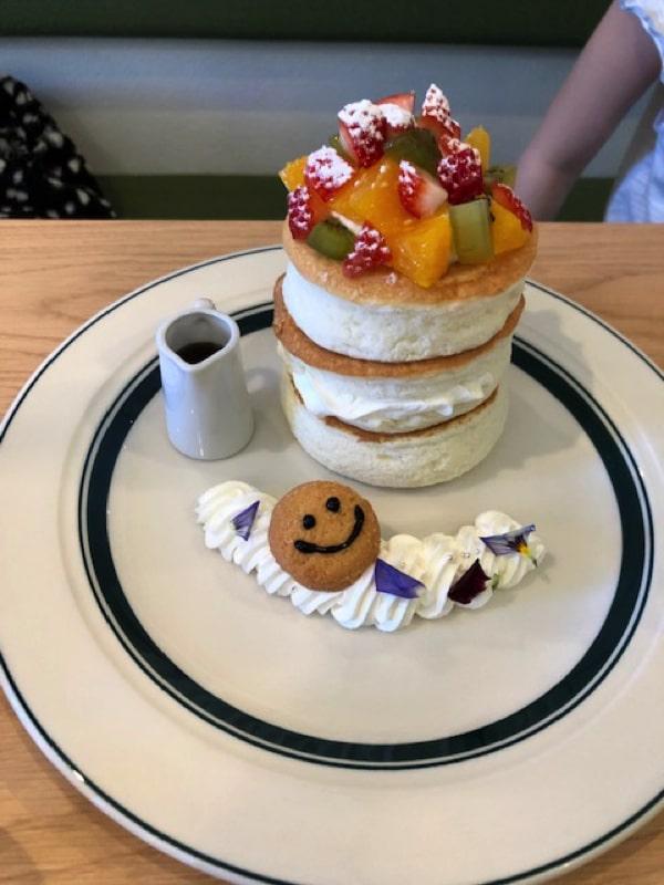 gramのプレミアムスマイルパンケーキ
