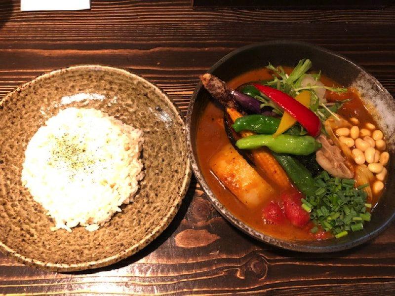 Rojiura Curry SAMURAI.平岸店の1日分の野菜20品目カリー